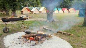 espace feu de camp, kabadienne, ferme du Ménéhy