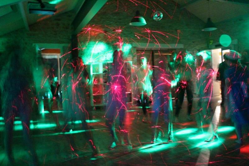 8 bosc negre danse.jpg