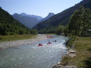 canoe devant camping 3.JPG