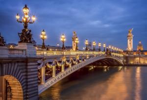 Paris-Pont Alexandre III_AdStock_61287443.jpeg_72pp