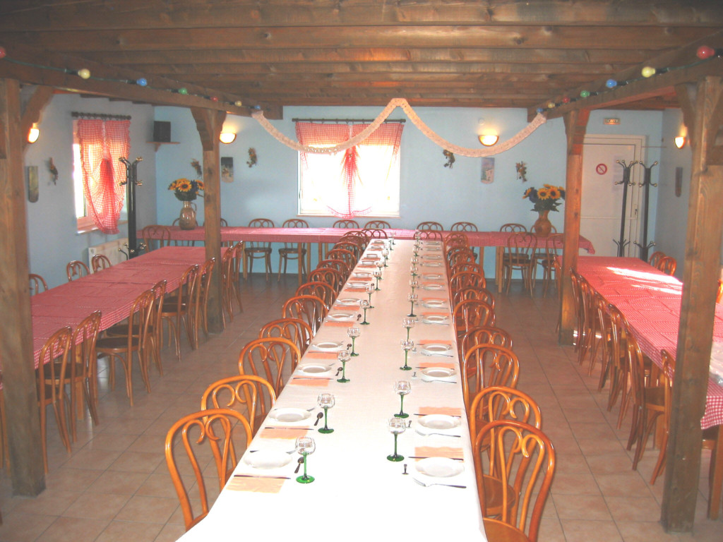 Table tarte flambée.JPG