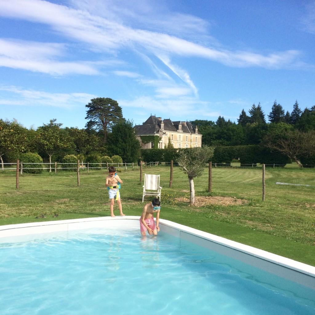 chateau-chambiers-piscine.JPG