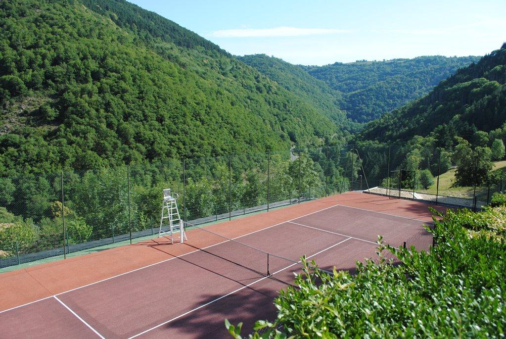 Gites de thouy tennis.JPG