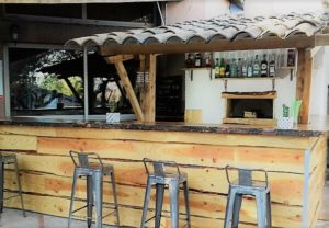bar extérieur.jpg